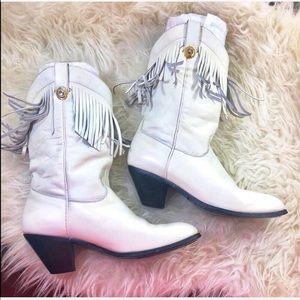 Dingo Vintage White fringe leather white boots 6